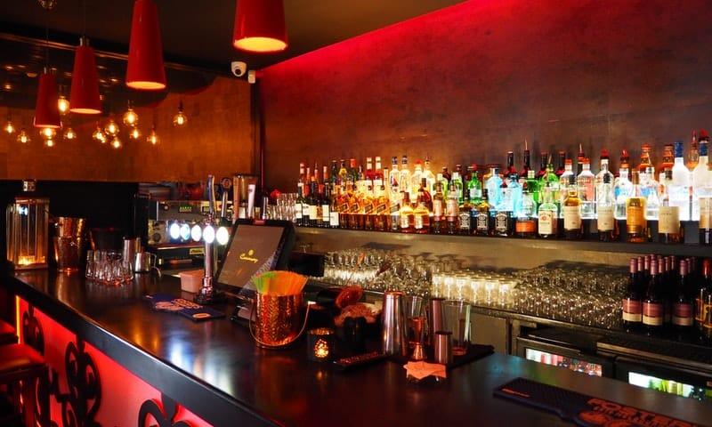 Restaurants bars